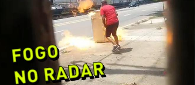 Homem revoltado coloca fogo em radar