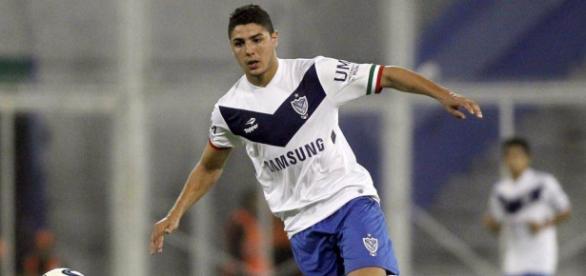 Der Argentinier wird neben dem VfB Stuttgart auch vom BVB umworben (Quelle: thenational.ae)