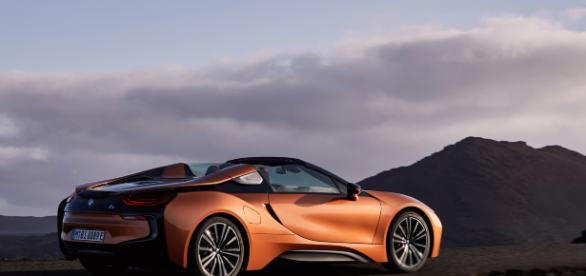 BMW i8 Roadster presentata a Los Angeles