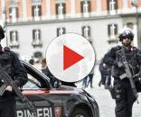 Carabinieri antiterrorismo, cambio turno in piazza Plebiscito a Napoli