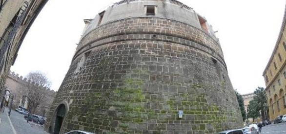 Il Torrione Niccolò V, sede dello Ior