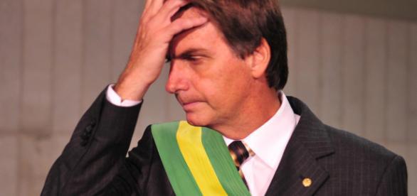 Segundo jornal, Bolsonaro teria contratado professor de economia