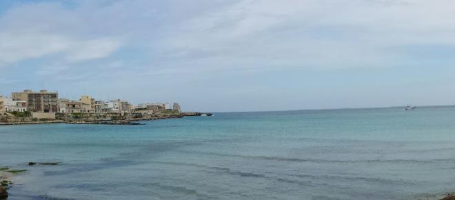 Shock nel Salento: trovato un cadavere in mare, non recuperato per il maltempo