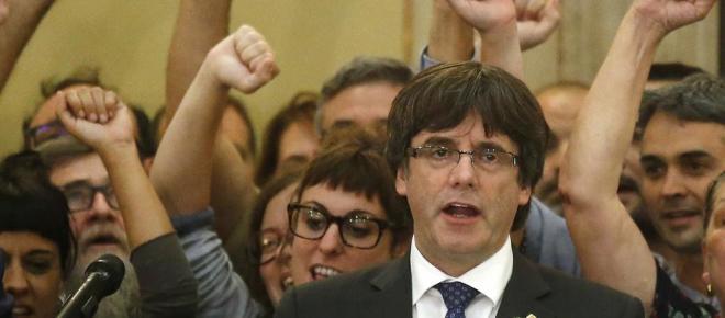 Puigdemont muestra su agradecimiento a los manifestantes que cortaron el AVE