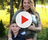 Kailyn Lowry poses with her sons. [Photo via Instagram]