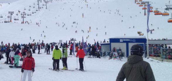 Nach wie vor überaus beliebt - Skifahren (Quelle kids-trips.com)