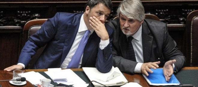 Denunciati il ministro del Lavoro Poletti e Matteo Renzi, scoppia il caso