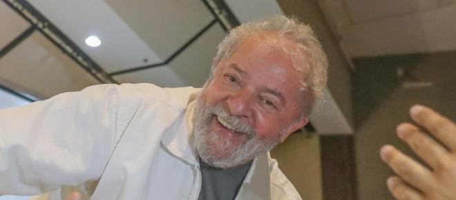 Autoridades monitoram Lula para evitar fuga