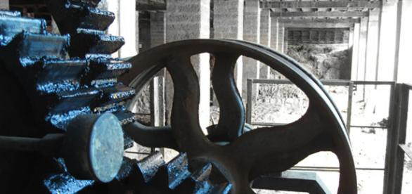 Dynamic Static - Machine gears at a tile factory in Boloor,Mangalore