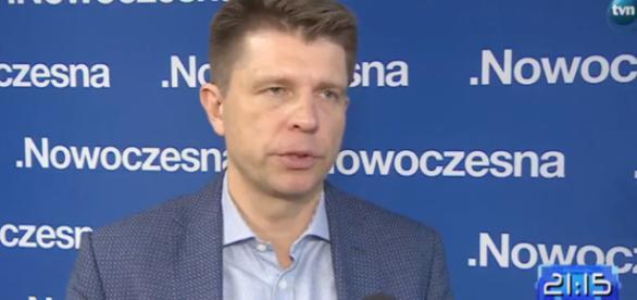 Ryszard Petru udziela wywiadu dla dziennikarza TVN (screen Twitter)