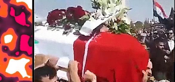 Biało-czerwone kwiaty na pogrzebie bohaterskiego generała Zahreddine'a (screenshot)