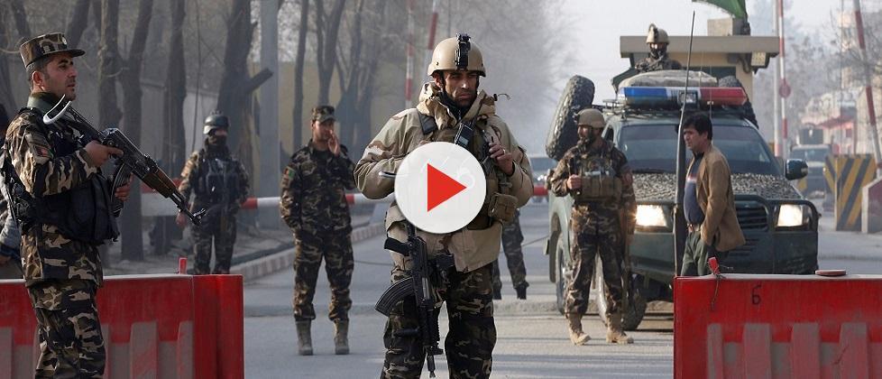 Ao menos 40 pessoas morrem após atentado terrorista no Afeganistão