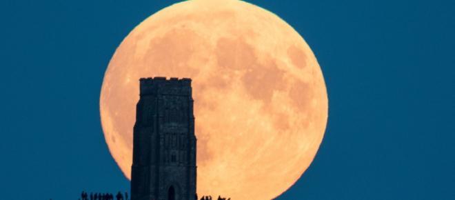 Superluna di Capodanno: appuntamento al tramonto del 1°Gennaio