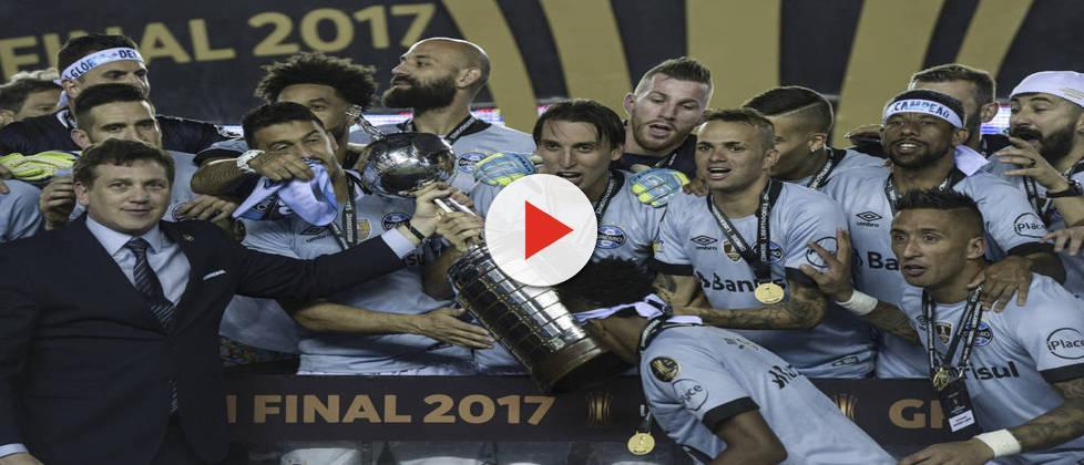 Grêmio segue viagem para o Mundial e leva na mala o sonho do bi