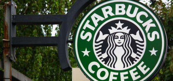 Starbucks storefront. - [Image Credit: 4028mdk09/Wikimedia Commons]