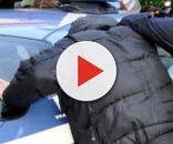 Rapinato e denundato, la polizia rintraccia immediatamente l'autore della rapina