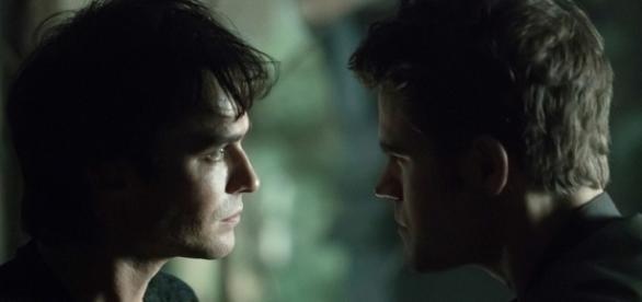 Damon pode acabar morto e Stefan virar humano no final da série.