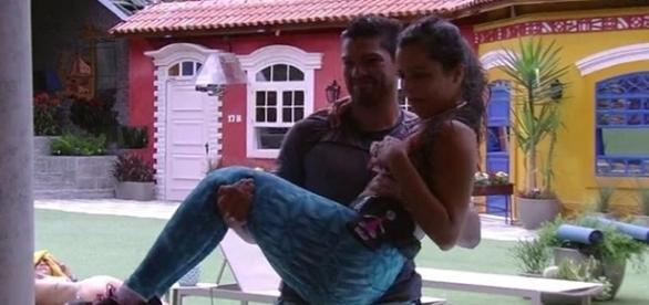 Emily sofre acidente durante treinos. (foto: reprodução TV Globo)