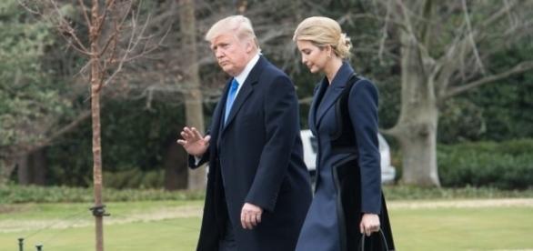 Trump visita soldato americano ucciso nel raid con Ivanka Trump