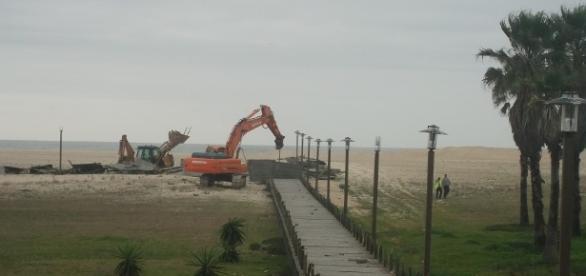 Máquinas na Praia da Claridade
