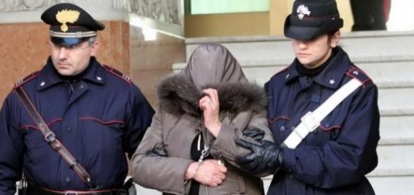ITALIA:BADANTĂ ROMÂNCĂ ARESTATĂ după ce A PRĂDAT-O PE BĂTRÂNA pe care o îngrijea - foto arhivă