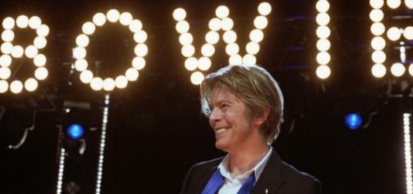 Sony anuncia lançamento de EP de David Bowie em CD e edição especial em vinil