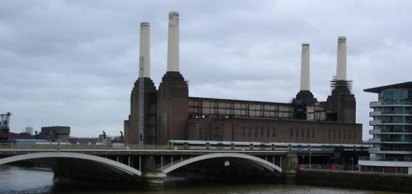 Battersea power station, 2008 CTLiotta Commons.wikimedia.org, CC0