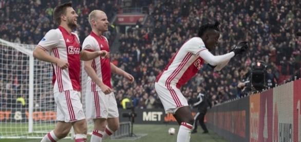 Bertrand Traoré brilhou na partida deste domingo (12).