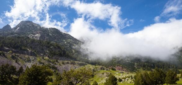 Dónde volar en parapente en España? - escapadarural.com