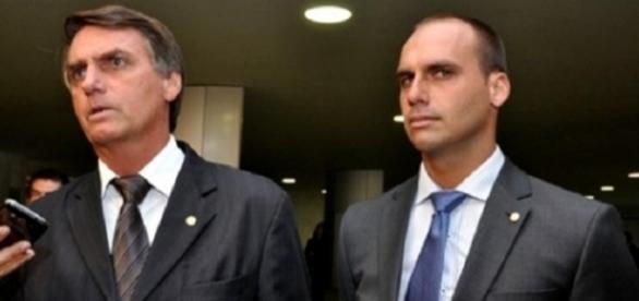 Eduardo Bolsonaro faltou no trabalho para viajar para a Austrália (Foto: Reprodução)