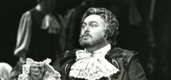 Italian tenor Luciano Pavarotti, the Met's first-ever Idomeneo (1982). Photo: Metropolitan Opera Archives, used with permission.