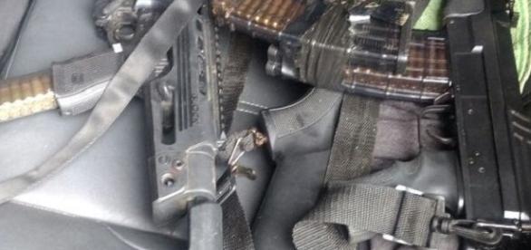 Bandidos usavam armamento pesado