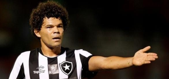 Botafogo, de Camilo, perto da fase de grupos