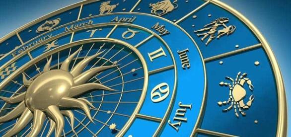 Die Astrologie von gestern und heute. Ein Blick in die Zukunft? (Photo provided by Blasting News)