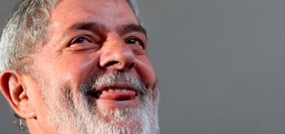 Ex-presidente Lula estabeleceu importação de cacau apenas de um país.