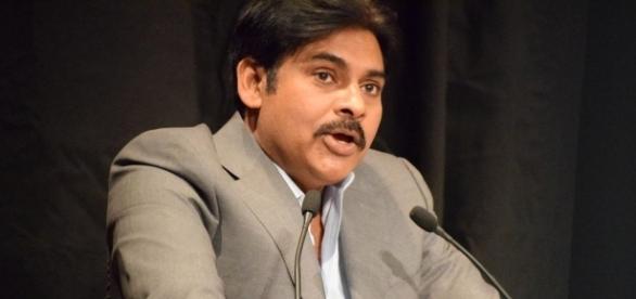 Pawan Kalyan speech (Image credits: Twitter.com/e3talkies)