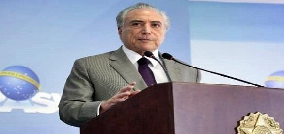 Temer faz pronunciamento em Brasília e diz defender a Lava Jato