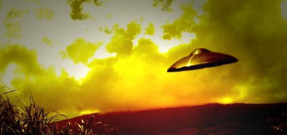 UFO Lands in Zimbabwe, Terrifies Entire School | Humans Are Free - humansarefree.com