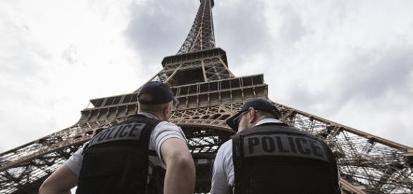 La tour Eiffel en bouteille ? Oui, bientôt - sputniknews.com