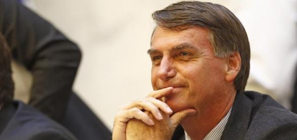Bolsonaro surpreende em pesquisa