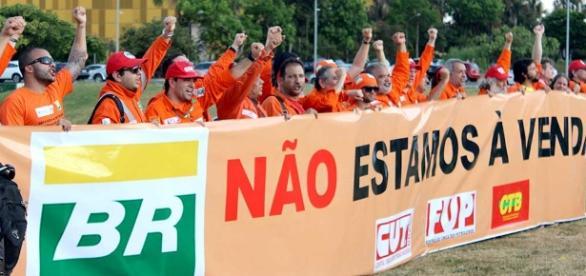 Com suas mobilizações por todo o país, a FUP pretende chamar atenção para os riscos vividos pelos petroleiros em seus postos de trabalho