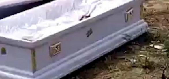 Urna ficou vazia, depois de eles roubarem o morto