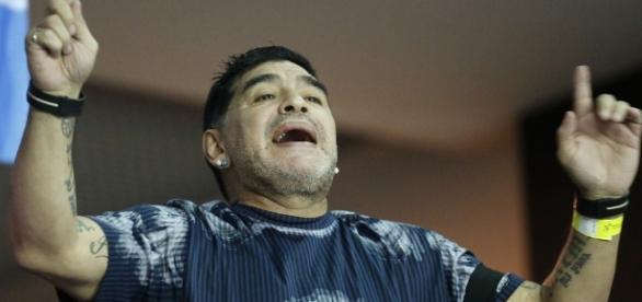 Diego Maradona apoyó al Nápoles en el Santiago Bernabéu - televisa.com