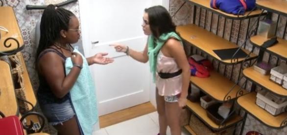 Momento em que as sisters estão discutindo