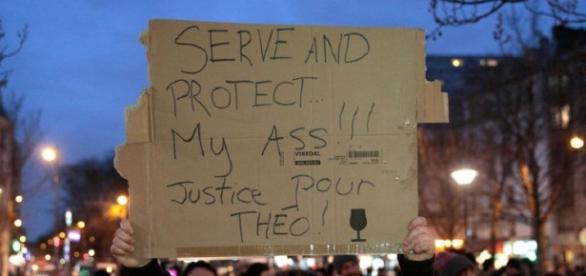 Protesters in Paris claim that the Police corps should protect them, not attack them