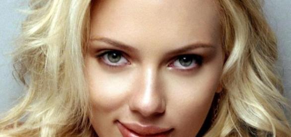 Scarlett Johansson Family Photos, Husband / spouse, Age, Height - chicksinfo.com
