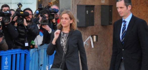La Infanta y su marido saliendo del juzgado