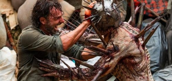 Rick lutando contra Winslow, no último episódio de The Walking Dead