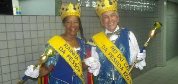 Carnaval leva alegria para as ruas do país.