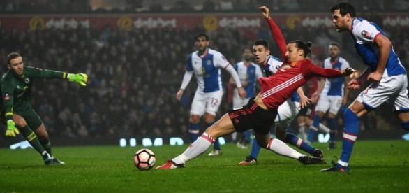 Ibrahimovic salvou o Manchester United do Replay.